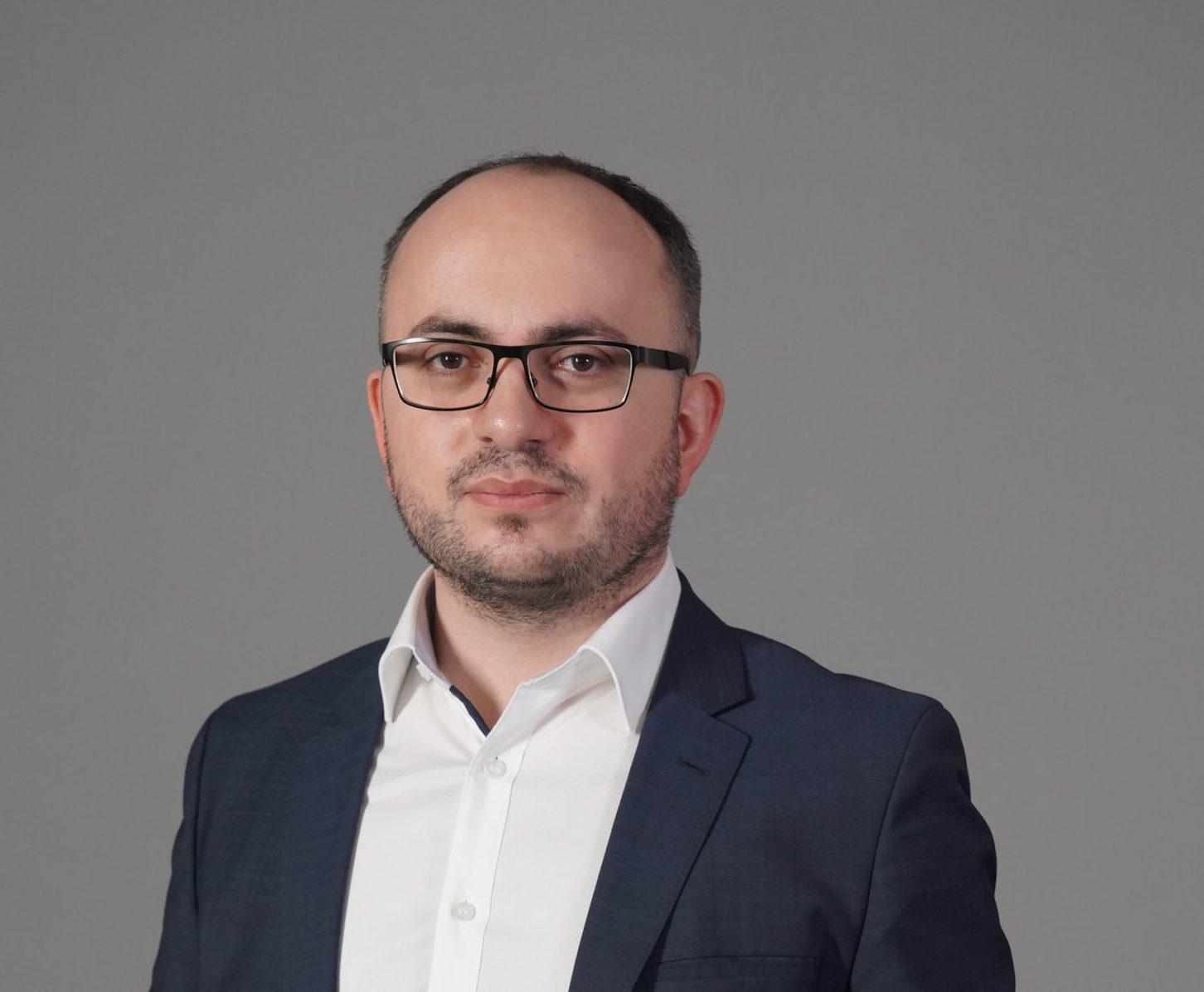 Смбат Саакян